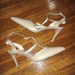 Nine West cream heels Size 11